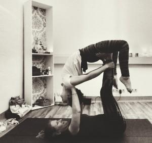 Acro Yoga Thai massage