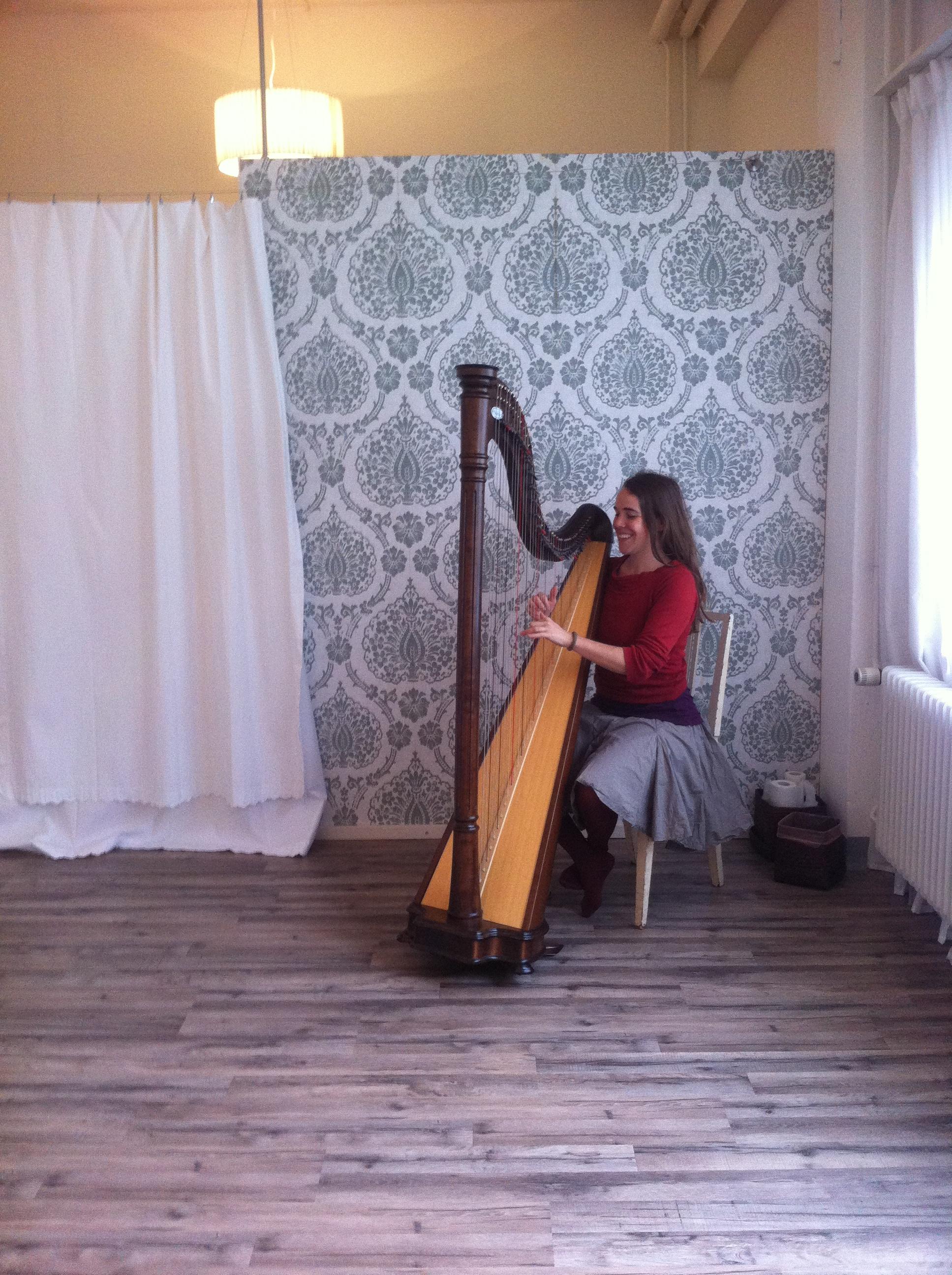 Harfe im Yoga Raum