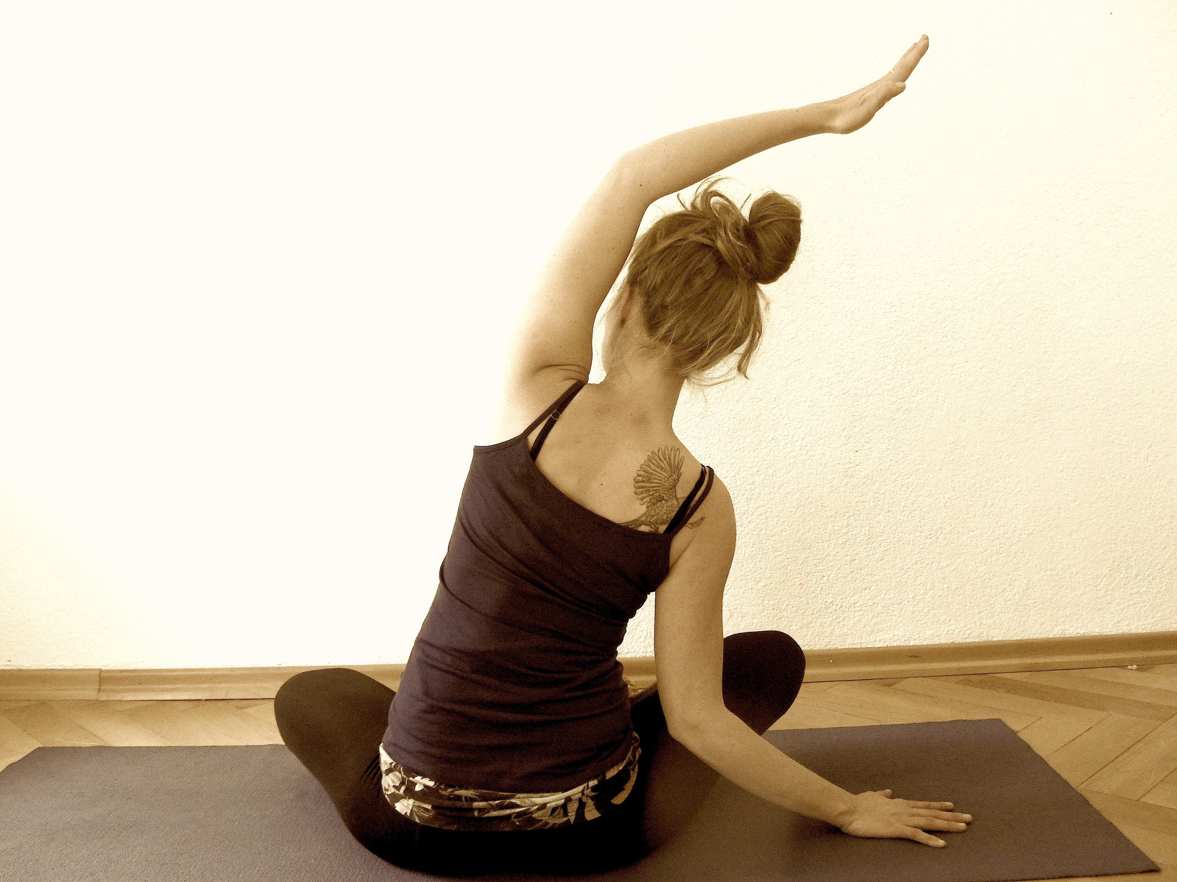 yoga pose side shift